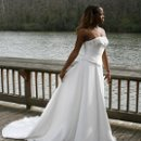 130x130_sq_1206251697168-dress07rsz[1]